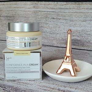 New It Cosmetics Confidence in a Cream